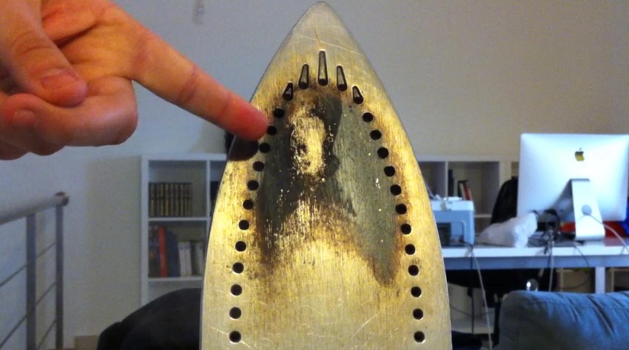 Como limpar ferro de passar roupa